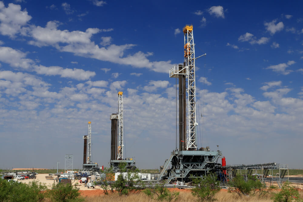 Pumped! US to Surpass Russia, Saudi Arabia In Oil Production
