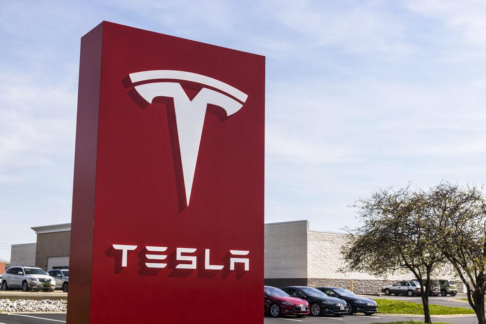 Tesla CEO Taunts Short Sellers Amid Legal Scrutiny