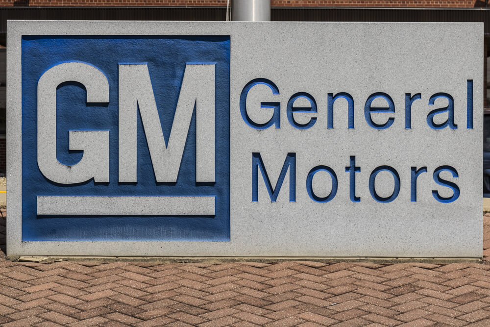 Workers at GM's Canada Plant Hold Work Stoppage Over Closure