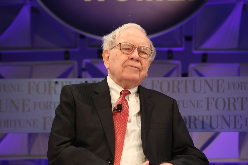 Berkshire Lagging S&P 500 by 17% in 2019 as Buffett Sits on His Hands