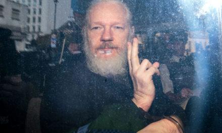 Tom Luongo: Delaying Brexit, Julian Assange Arrest Multiplies Europe's Problems