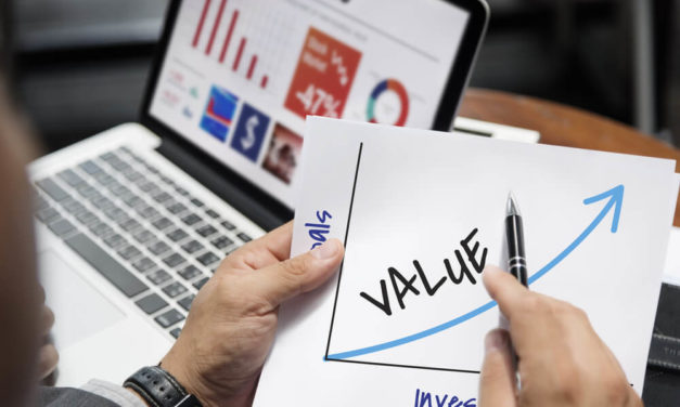 Use Value to Find Winning Stocks Like Warren Buffett