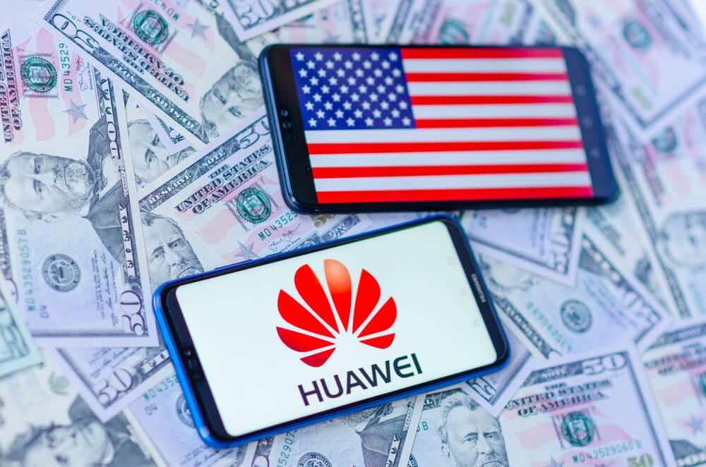 Kudlow Says Reopening Sales to Huawei Won't Imperil National Security