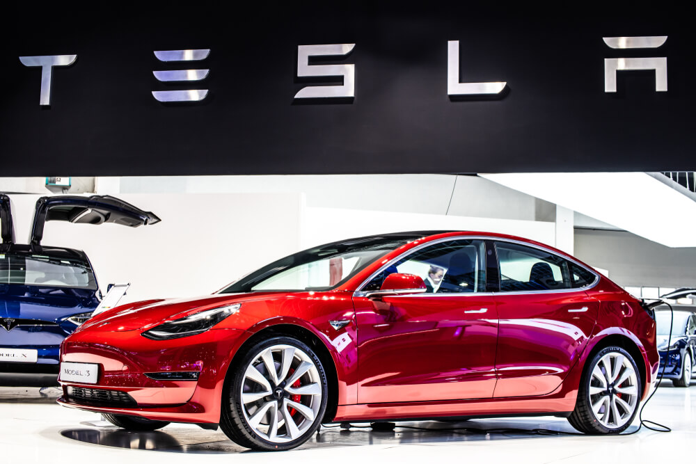 Miller: Must-See Videos — The Good, the Bad and the Ugly of Tesla's 'Smart Summon'