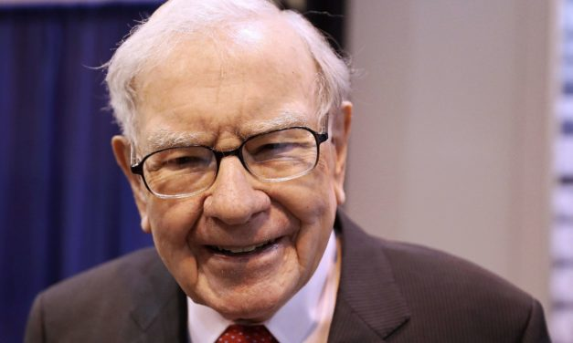 Is Warren Buffett Selling Delta Stock a Bad Sign for the Company?