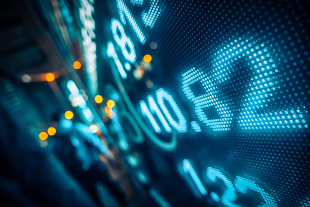 7/14 Closing Bell: Wall Street Rises After Mixed Bank Earnings