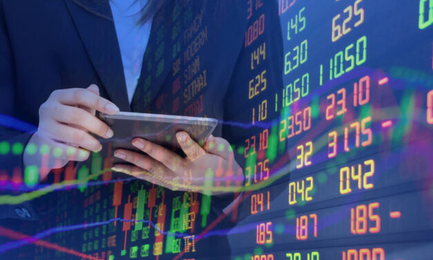 Closing Bell: Tech Weakness Weighs Early, Markets Close With Furious Rally