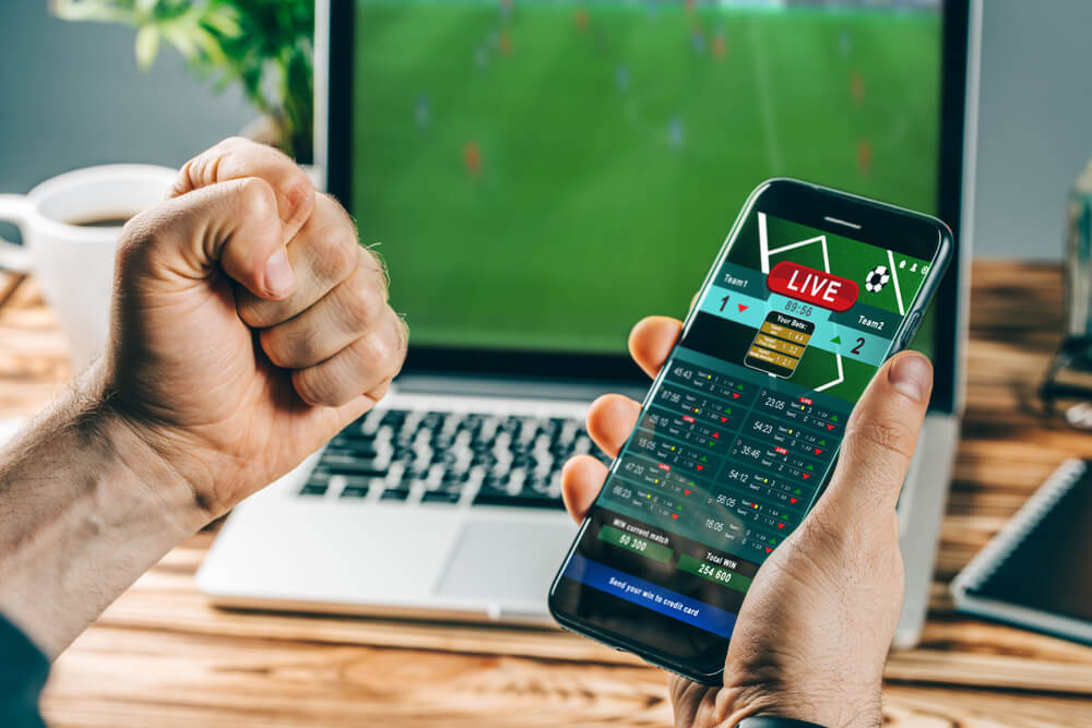 Hold or Fold 4 Sports Betting Stocks as Industry Eyes $8B Future