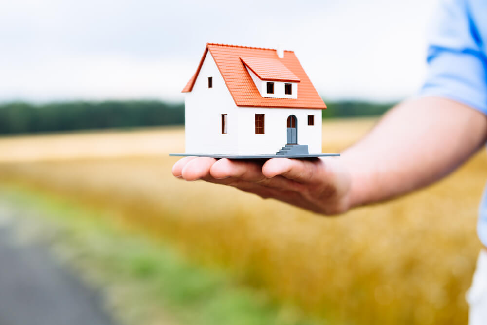 The Jump in Homebuying Makes This 1 Stock a Buy Now